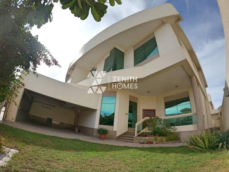 2 Upgraded 4 Bed+Maid w/Private Garden+Common Pool