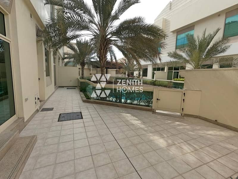 17 Upgraded 4 Bed+Maid w/Private Garden+Common Pool
