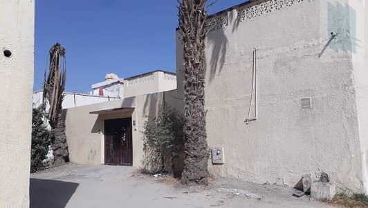 3 Bedroom Villa for Sale in Deira, Dubai - For sale house in prime area in attractive price