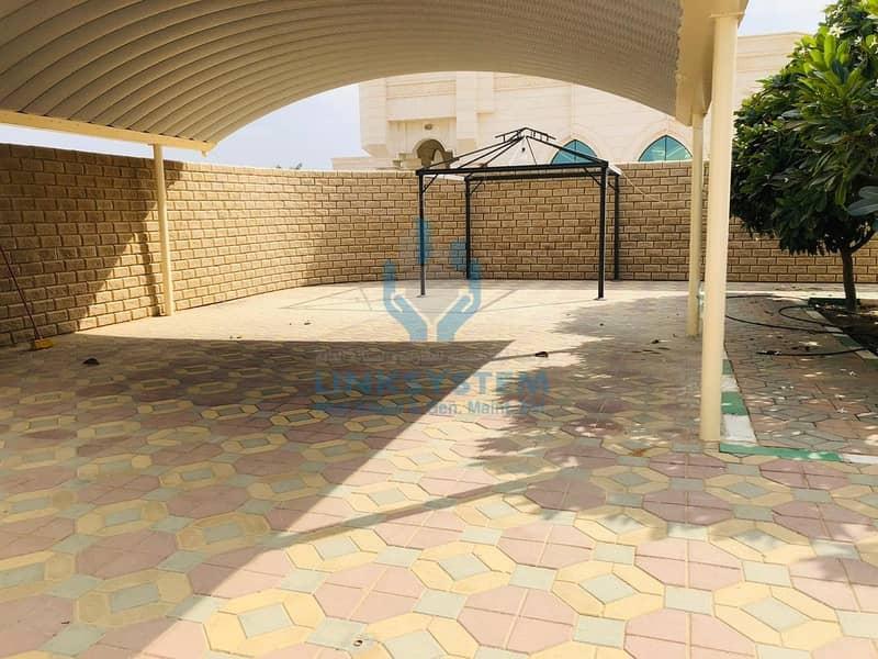 10 Separate Ground villa 3 Bed Hall in falaj Hazza