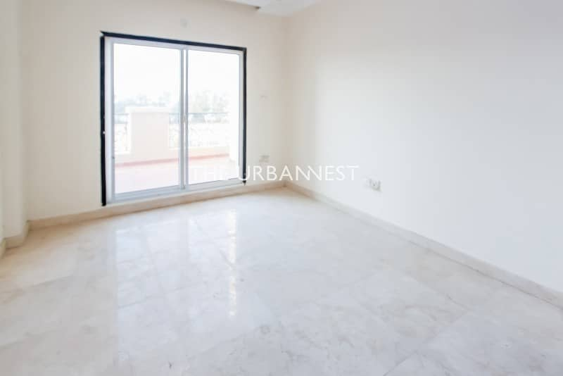 16 Brand New   Vacant   5 Bed Villa with Basement