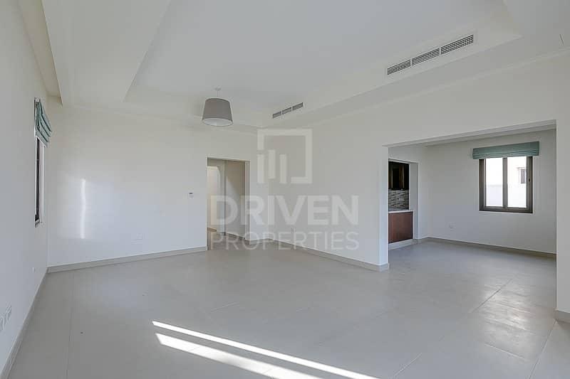 2 Corner Villa | Vacant w/ Community Views