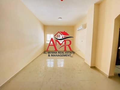 فلیٹ 3 غرف نوم للايجار في عشارج، العین - Its a Neat & clean Ground Floor Flat With Wardrobes & Shaded Parking