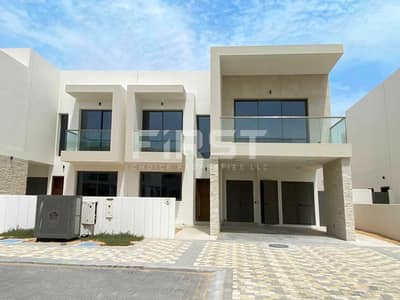 3 Bedroom Townhouse for Sale in Yas Island, Abu Dhabi - Great Deal Awaits you! Call and Invest Now!