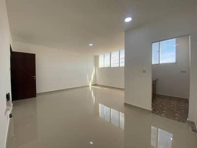 استوديو  للايجار في المطار، أبوظبي - studio brand new with tatweeq no commission with share balcony