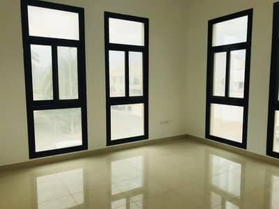 استوديو  للايجار في المشرف، أبوظبي - studio very clean and nice location w/ tatweeq 0%fees