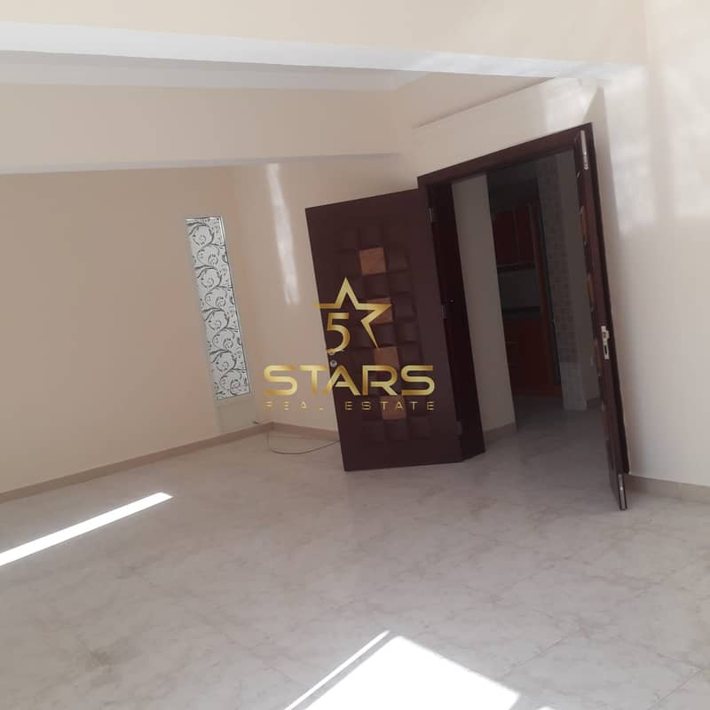 2 3 Bedroom Villa for Sale in Sharqan | Perfect Lay-out | Welll- Maintained