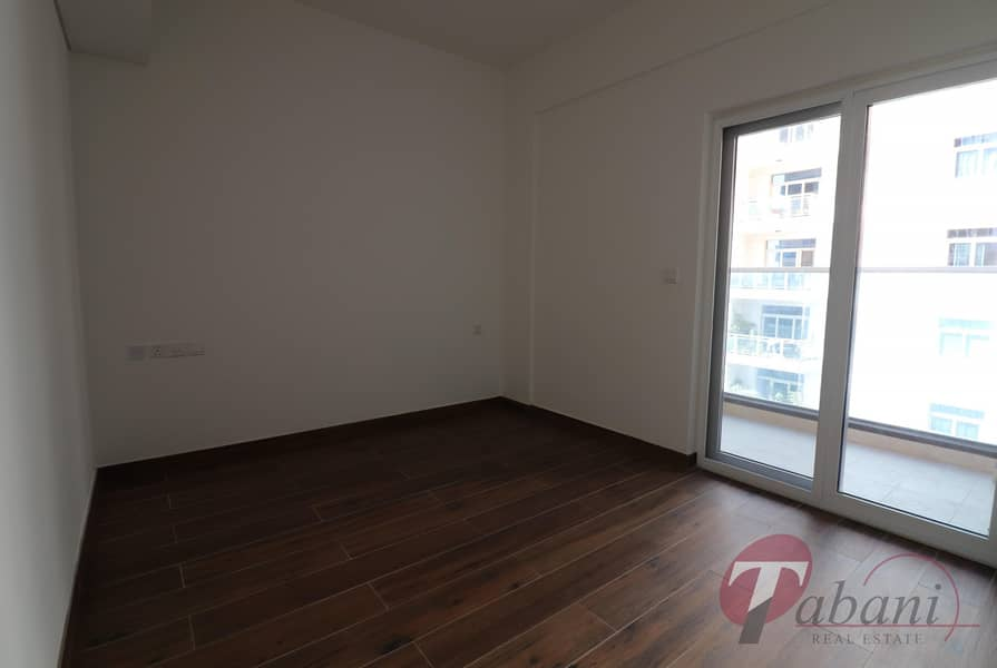 Near Metro Station/Spacious Layout/Vacant