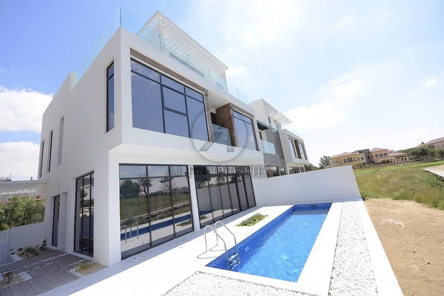 Contemporary 4 Bedrooms Golf Course View  For Sale