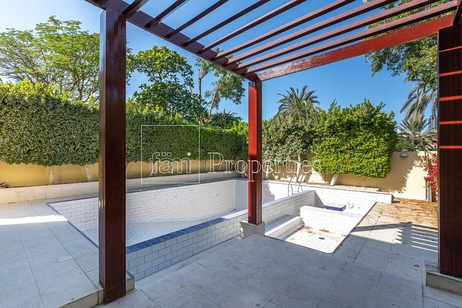 5BR+M Upgraded Villa  with Pool   Meadows 3
