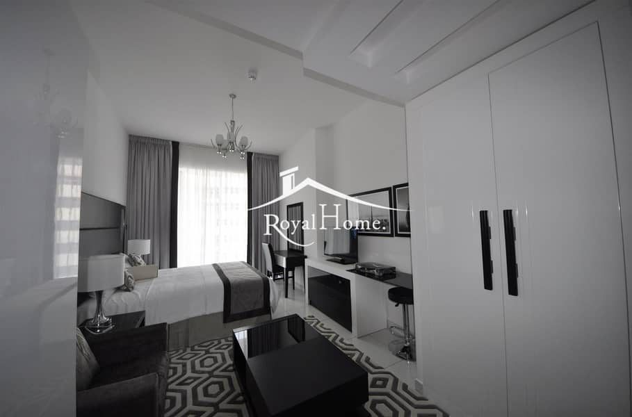 Fully furnished with golf course view