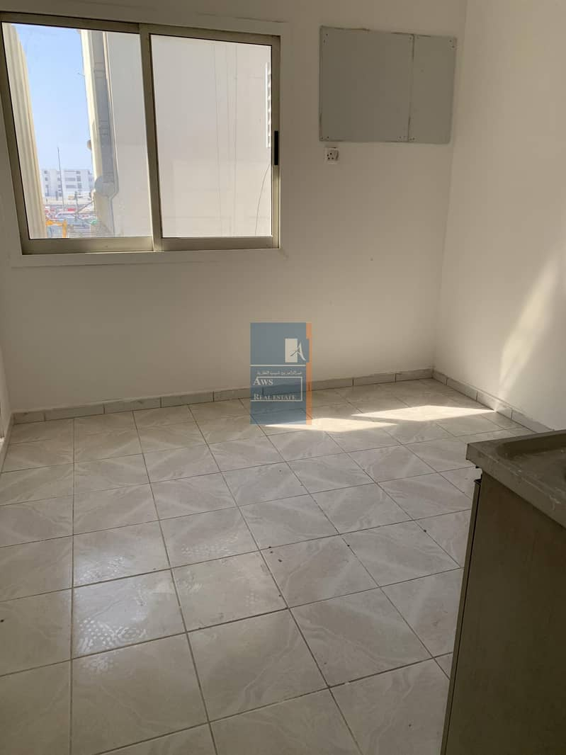 AVAILABLE STUDIO UNIT FOR FAMILY AND BACHELORS in AWS 419 BUILDING BURDUBAI