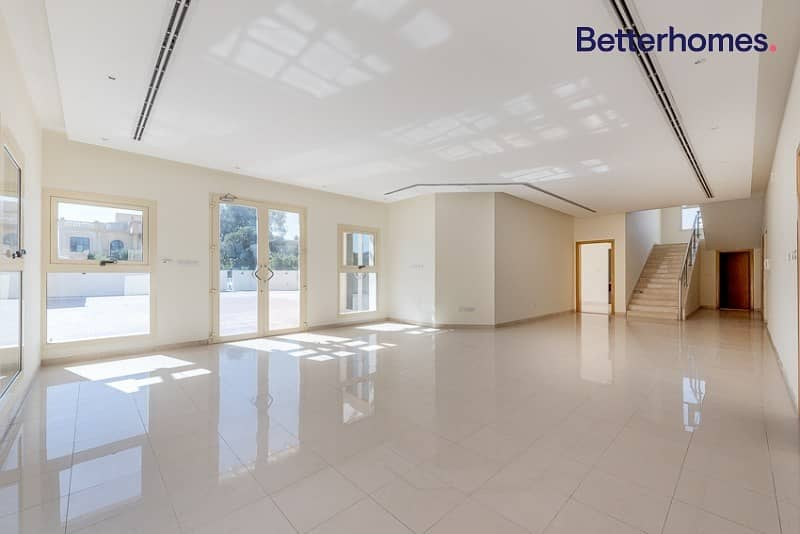 2 Independent 4 bedroom villa in Al Mizhar 2