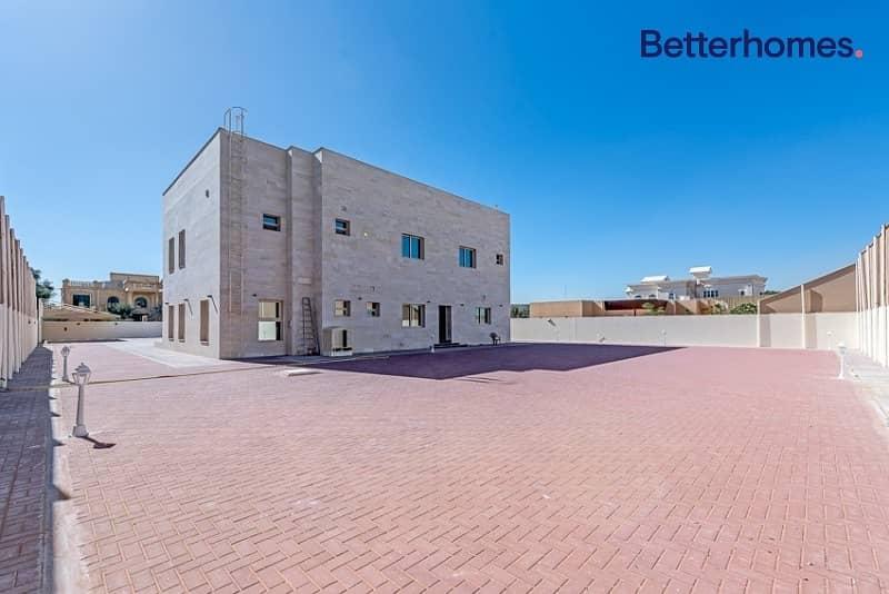 17 Independent 4 bedroom villa in Al Mizhar 2