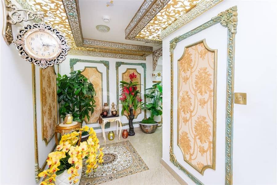 2 Luxury / Upgraded / Spacious / Renovated / Study