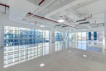 مکتب  للايجار في الخليج التجاري، دبي - Fitted Corner Office with Floor to Ceiling WIndows