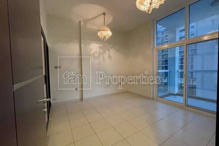 3 Bedroom Apartment for Rent in Dubai Studio City, Dubai - Huge and Ready 3BR| Fully Equipped Kitchen