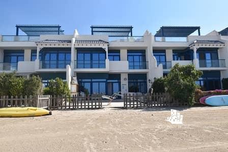 تاون هاوس 5 غرف نوم للبيع في نخلة جميرا، دبي - ONE STEP ON THE BEACH | 5 BEDS | ISLAND LIVING