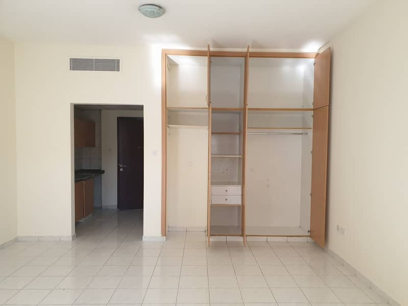Cheap Deal!! studio available for rent in ITALY CLUSTER international city