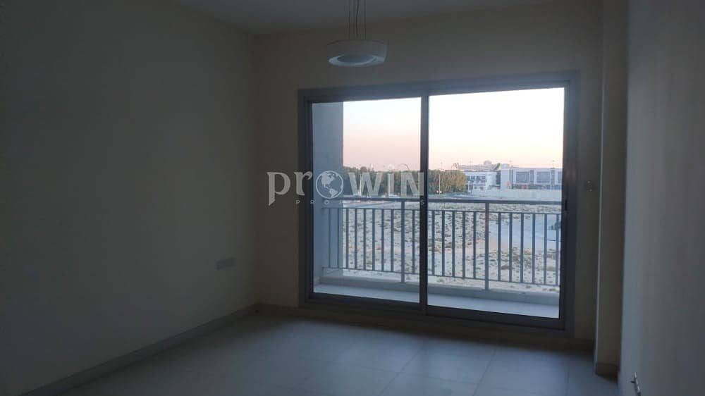 2 4 Cheques   Studio Apt For Rent With Large Living Room  Excellent Locations !!!
