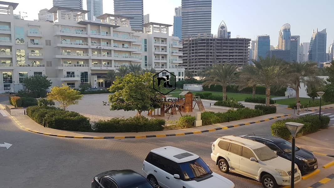 27 nice view large 3 bedroom in Jumeirah heights