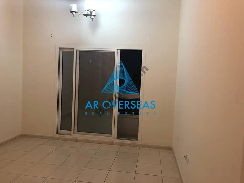 2 AXIS 4 ! 1 Br available for Sale with balcony