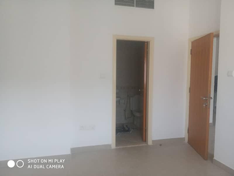 شقة في النهدة 1 غرف 21000 درهم - 4702925