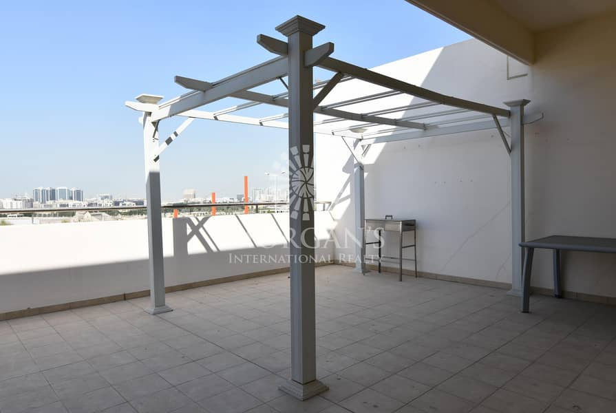 14 Vacant | Unfurnished | Huge Terrace