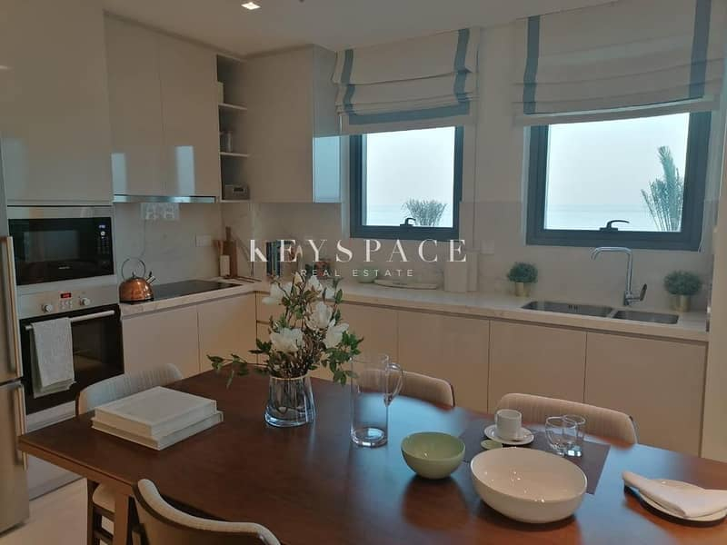 2 Luxurious Apartments | Great Location| Stunning Views