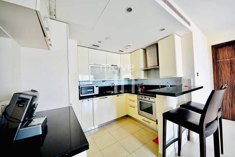 2 Superb  Furnished 2 Bed w Balcony High Floor