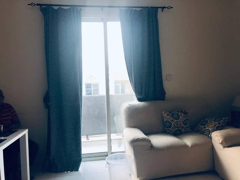 شقة في الحي الإماراتي المدينة العالمية 1 غرف 345000 درهم - 4960910