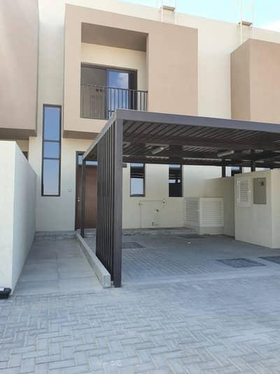 فیلا 3 غرف نوم للايجار في الطي، الشارقة - فیلا في نسمة ريزيدنس الطي 3 غرف 65000 درهم - 4961026