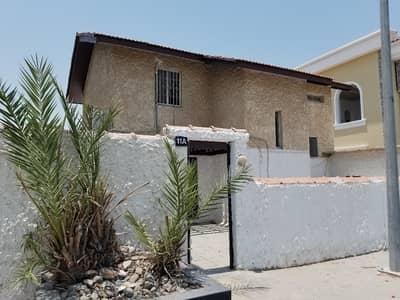 3 Bedroom Villa for Rent in Al Falaj, Sharjah - 3 BR + Maids Room Independent Villa for Rent in Al Falaj