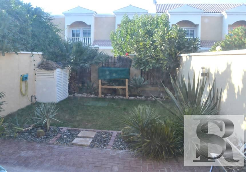 15 1 BR TOWNHOUSE WITH PRIVATE GARDEN | RENTED AND CONVERTED TO 2 BR