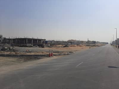 Plot for Sale in Al Rawda, Ajman - Residential lands in the Rawda area are freehold for all nationalities, a privileged location on Riyadh Street