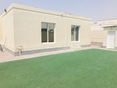 Nice 3 bedroom single story villa with private garden jumeirah 2