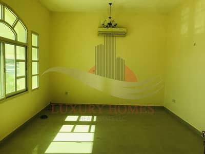 3 Bedroom Flat for Rent in Al Jimi, Al Ain - Exquisite with Living Room at Prime Location