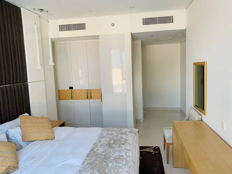11 Spacious Layout | Maids Room Available | Minutes to Dubai Mall