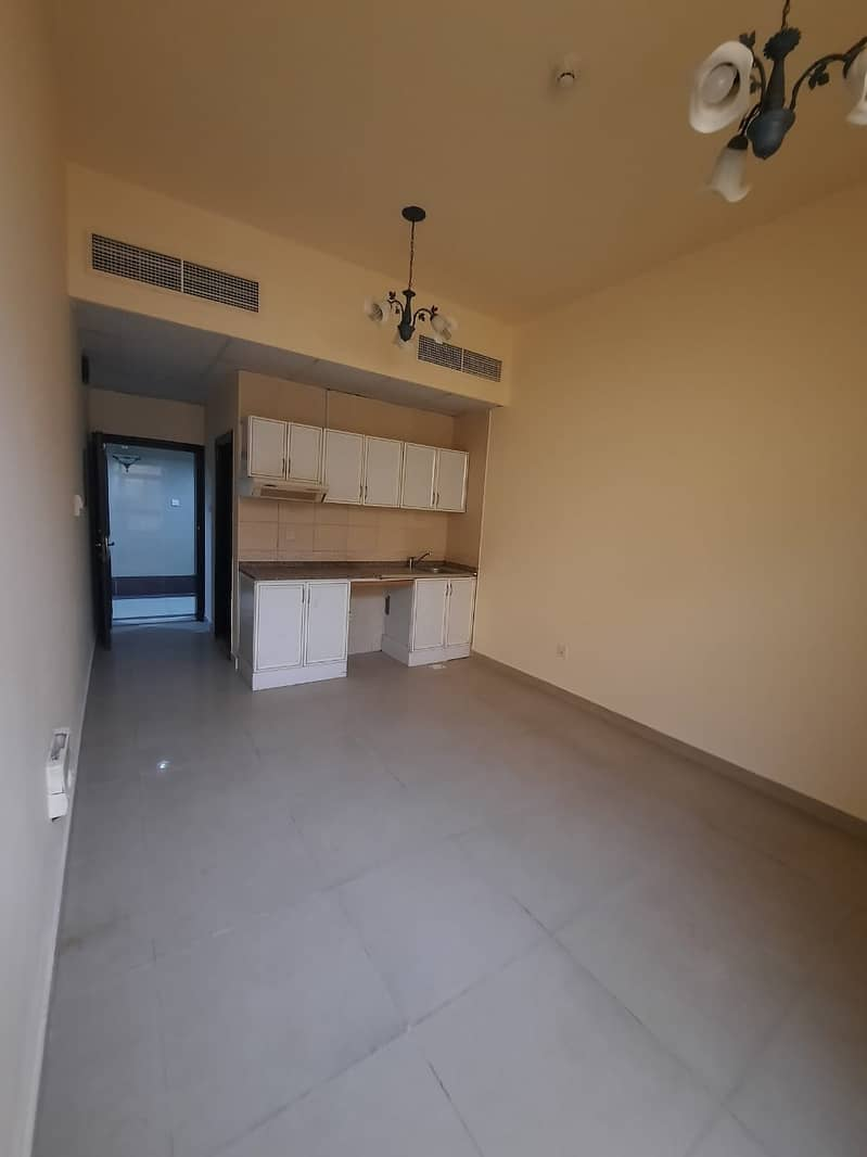 2 Unfurnished One Month Free Studio