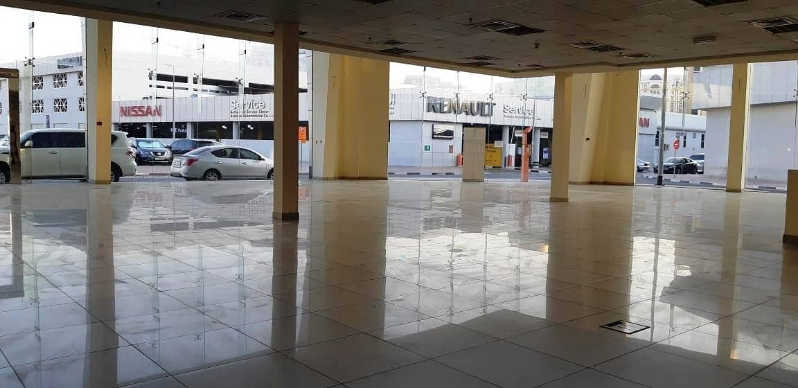 LARGE Showroom in Port Saeed Near DNATA Deira