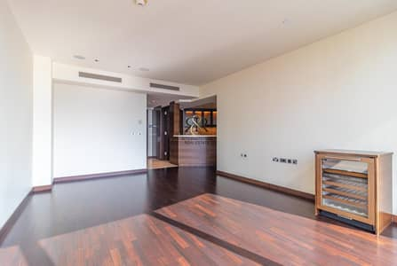 1 Bedroom Apartment for Sale in Downtown Dubai, Dubai - With 360 Video Tour   Massive Space 1 Bedroom in The Worlds Tallest Building