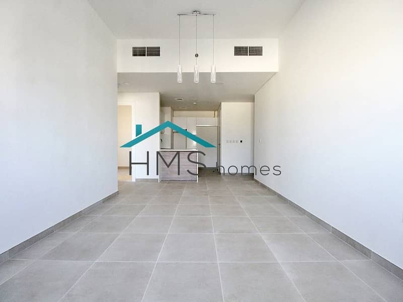 Vacant | 1 Bed + Study | Community View