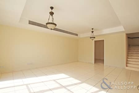 3 Bedroom Villa for Sale in The Springs, Dubai - 3M | Three Bedrooms | Springs 11 | Balcony