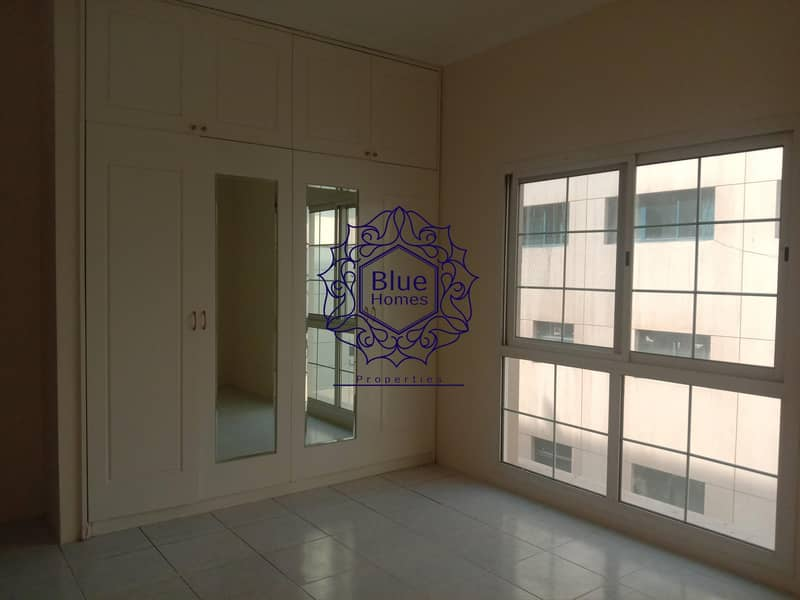 CHILLER free Amazing Road view 2bhk Close to Metro