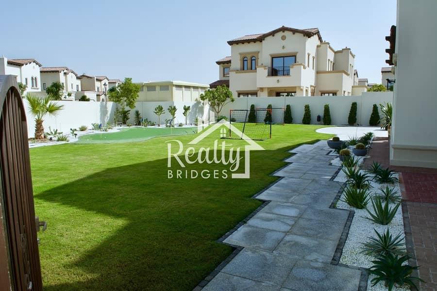 Spacious 5 BR Villa with Mini Golf Area & Landscaped Garden