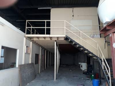 مستودع  للايجار في المنطقة الصناعية، الشارقة - 3000+ mezzanine+Offices/Low rent !!
