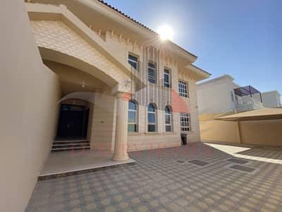 5 Bedroom Villa for Rent in Al Khabisi, Al Ain - Marvelous Villa with Yard 2 Kitchens Balcony
