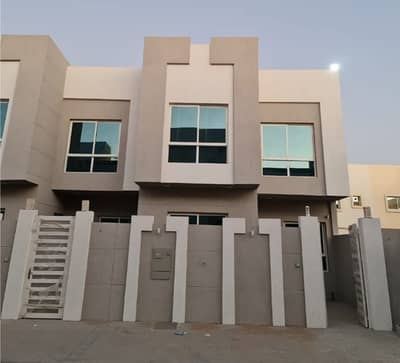 5 Bedroom Villa for Sale in Al Yasmeen, Ajman - For sale at a snapshot price and without commission, a new villa for the first inhabitant with a very elegant personal finishing and in an excellent location near a mosque on a street near Sheikh Mohammed bin Zayed Street. The possibility of buying in cas