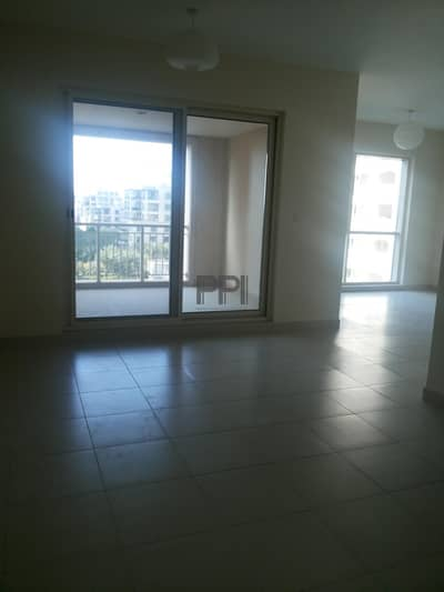 Large Balcony| Higher floor| Well lit Apartment for rent