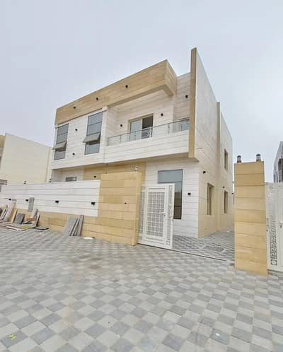 5 Bedroom Villa for Sale in Al Yasmeen, Ajman - Negotiable price and without first payment, a masterpiece villa on the asphalt street, with a luxurious hotel design and super deluxe personal finishing, free ownership for life for all nationalities, less than a minute on Sheikh Mohammed Bin Zayed Road